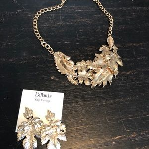 Jewelry - Gold leaf necklace and earrings set
